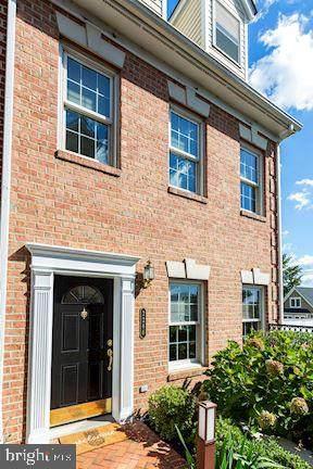 2266 S Garfield Street #6, ARLINGTON, VA 22206 (#VAAR2006340) :: Pearson Smith Realty