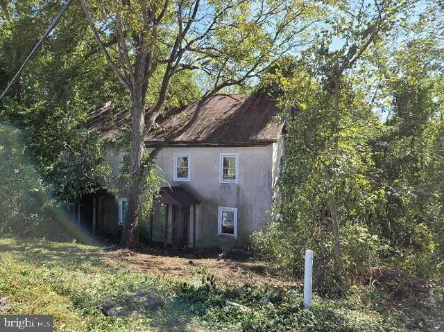 3312 Paper Mill, SINKING SPRING, PA 19608 (#PABK2005810) :: Linda Dale Real Estate Experts