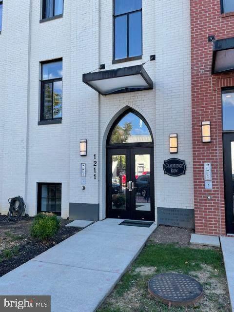 1211 G Street SE #6, WASHINGTON, DC 20003 (#DCDC2018008) :: Keller Williams Realty Centre