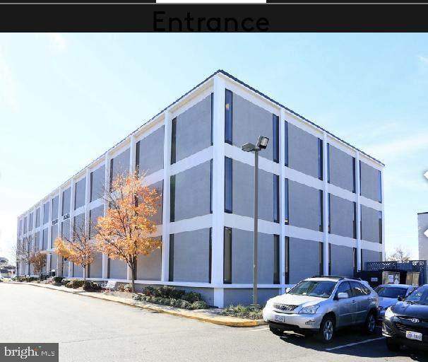 6120 Brandon Avenue #117, SPRINGFIELD, VA 22150 (#VAFX2027684) :: AJ Team Realty