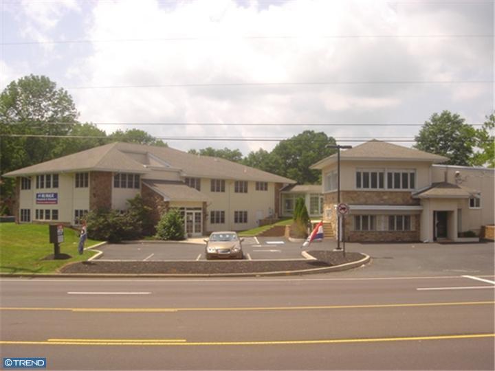 450 West End Boulevard - Photo 1