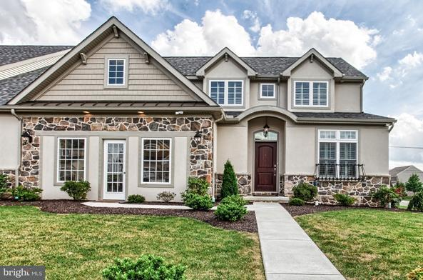 561 Springbrook Drive #49, PALMYRA, PA 17078 (#1001662747) :: Benchmark Real Estate Team of KW Keystone Realty