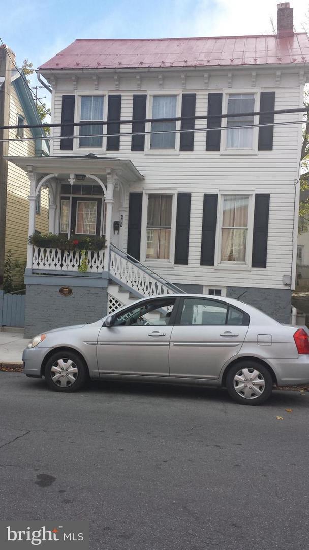 417 Burke Street, MARTINSBURG, WV 25401 (#1005958211) :: Colgan Real Estate