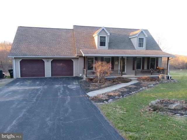 7350 Woodland Drive, SPRING GROVE, PA 17362 (#1000258076) :: Benchmark Real Estate Team of KW Keystone Realty