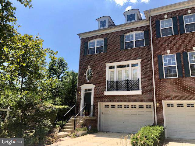 420 Penwood Drive, EDGEWATER, MD 21037 (#1000307140) :: Dart Homes