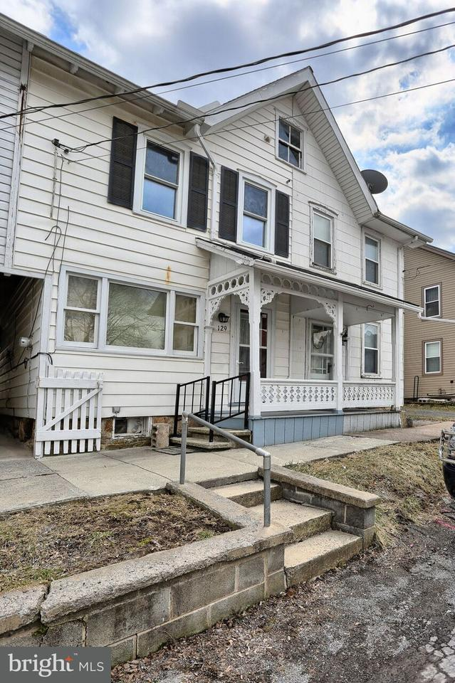 129 W Mcclure Street, NEW BLOOMFIELD, PA 17068 (#1000345612) :: The Heather Neidlinger Team With Berkshire Hathaway HomeServices Homesale Realty