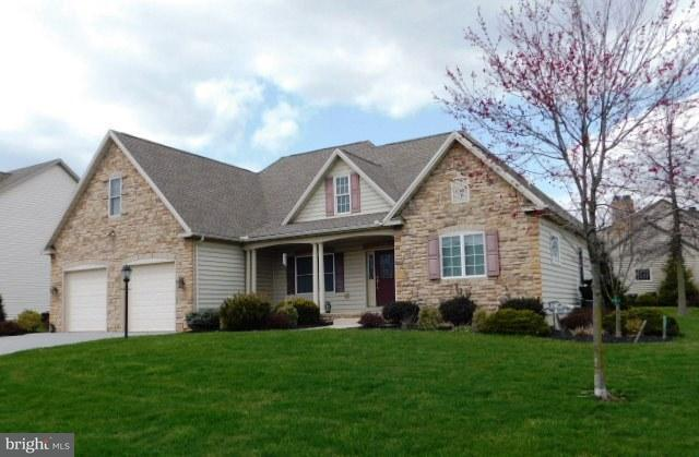 651 Parkwood Drive, YORK, PA 17404 (#1000389444) :: The Joy Daniels Real Estate Group