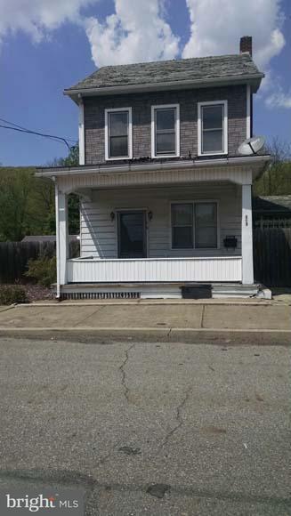 619 North Street - Photo 1