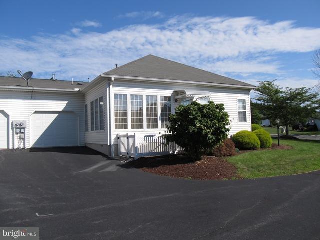2762 Meadow Drive, GETTYSBURG, PA 17325 (#1001979290) :: Benchmark Real Estate Team of KW Keystone Realty