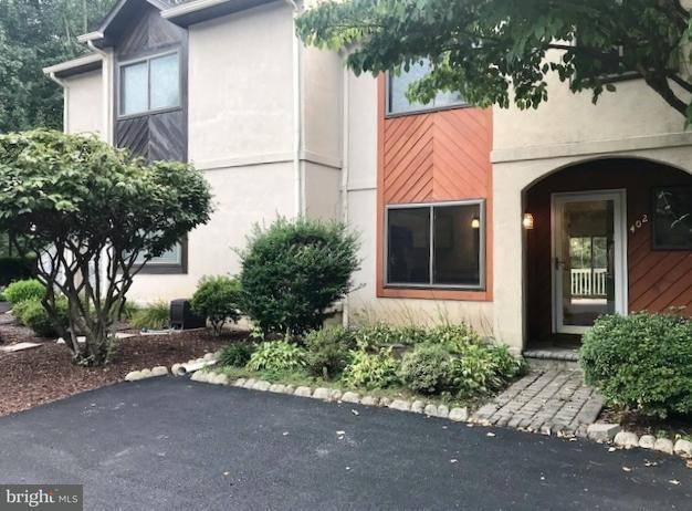 402 Stonegate Court, MILLERSVILLE, PA 17551 (#1002244148) :: Younger Realty Group