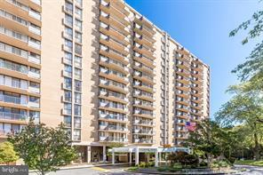 6100 Westchester Park Drive Tr10, COLLEGE PARK, MD 20740 (#1002299664) :: Pearson Smith Realty