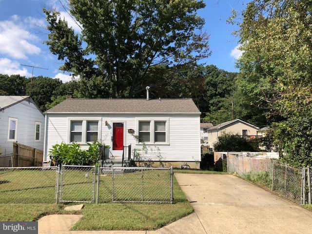 1523 Shamrock Avenue, CAPITOL HEIGHTS, MD 20743 (#1006213382) :: Colgan Real Estate