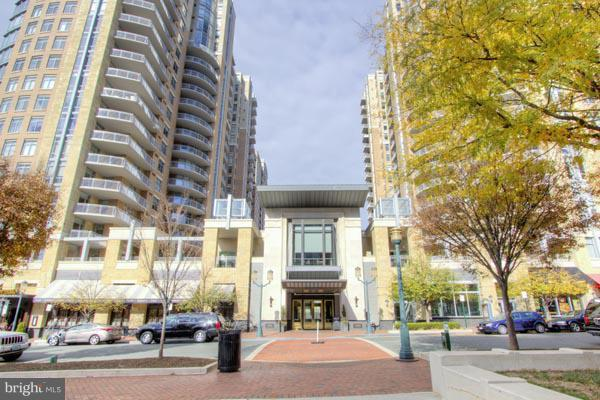 11990 Market Street #1308, RESTON, VA 20190 (#1008356072) :: Dart Homes