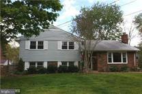 14712 Lock Drive, CENTREVILLE, VA 20120 (#VAFX104294) :: The Riffle Group of Keller Williams Select Realtors