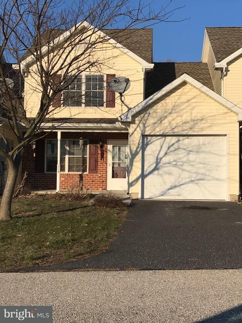 324 Drummer Drive, NEW OXFORD, PA 17350 (#PAAD100666) :: Teampete Realty Services, Inc