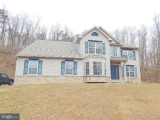 202 Fox Hollow Road, POTTSVILLE, PA 17901 (#PASK115906) :: Dougherty Group