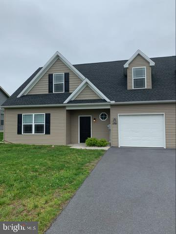 3707 Oakley Ln, GREENCASTLE, PA 17225 (#PAFL155316) :: Liz Hamberger Real Estate Team of KW Keystone Realty
