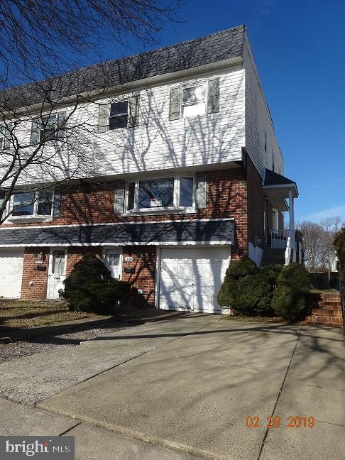 11130 Templeton Drive, PHILADELPHIA, PA 19154 (#PAPH721422) :: The John Wuertz Team