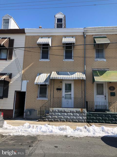 25 N Richmond Street, FLEETWOOD, PA 19522 (#PABK326232) :: Remax Preferred | Scott Kompa Group