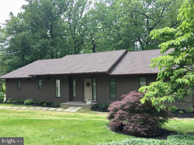 3419 Pebble Ridge Drive, YORK, PA 17402 (#PAYK112492) :: The Heather Neidlinger Team With Berkshire Hathaway HomeServices Homesale Realty