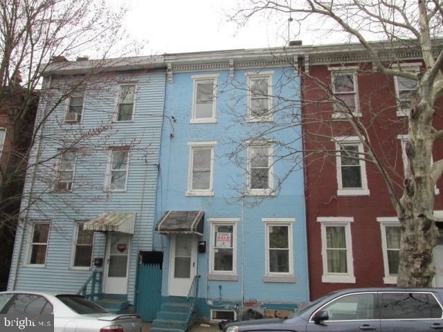 581 Centre, TRENTON, NJ 08611 (#NJME275084) :: Remax Preferred | Scott Kompa Group