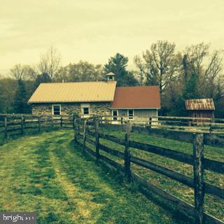 36343 Paxson Road, PURCELLVILLE, VA 20132 (#VALO380968) :: LoCoMusings