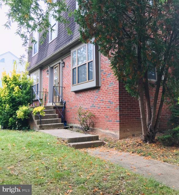 3921 Tallow Tree Place, FAIRFAX, VA 22033 (#VAFX1061372) :: Homes to Heart Group