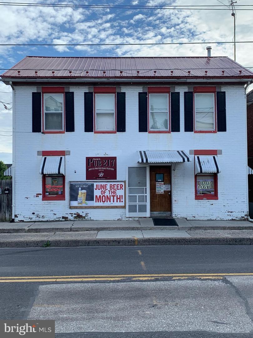 217 Queen Street - Photo 1