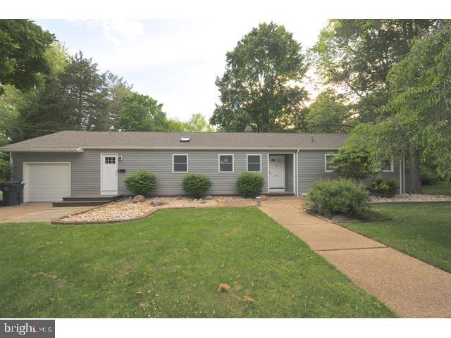 8 Royal Oak Road, LAWRENCE, NJ 08648 (#NJME279330) :: Bob Lucido Team of Keller Williams Integrity
