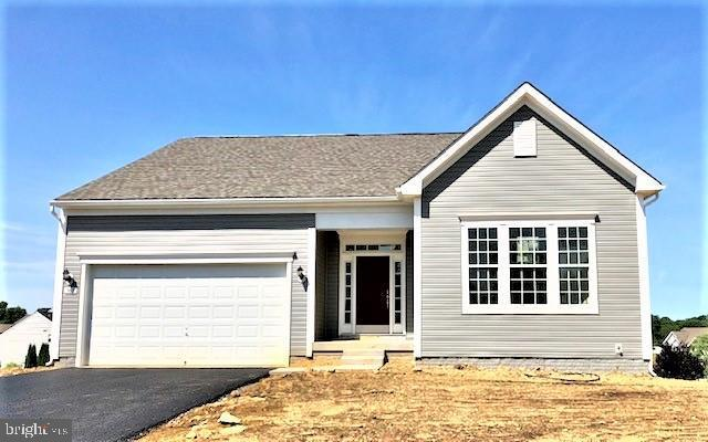 962 Crestwood Drive, CHAMBERSBURG, PA 17202 (#PAFL166144) :: The Joy Daniels Real Estate Group