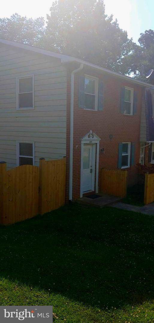 8619 Harrison Court, MARSHALL, VA 20115 (#VAFQ161046) :: The Gold Standard Group