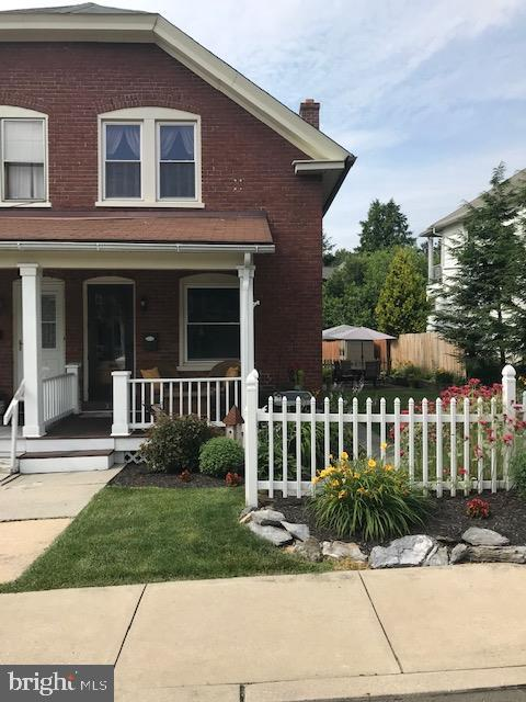 33 E Locust Street, LEBANON, PA 17042 (#PALN107634) :: The Joy Daniels Real Estate Group