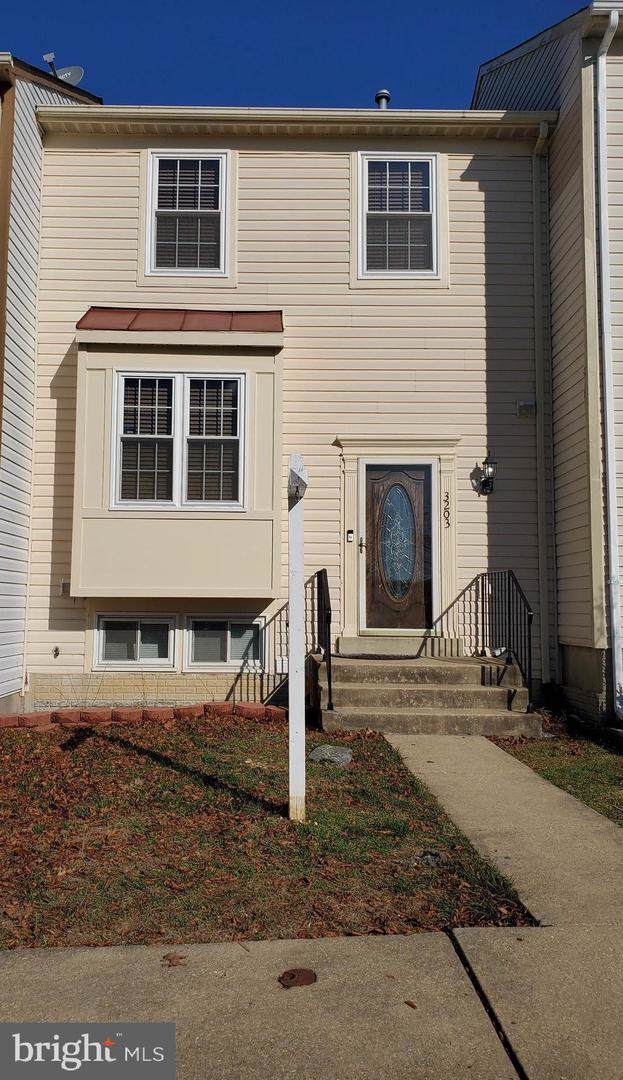 3203 Dynasty Drive, DISTRICT HEIGHTS, MD 20747 (#MDPG542666) :: The Vashist Group