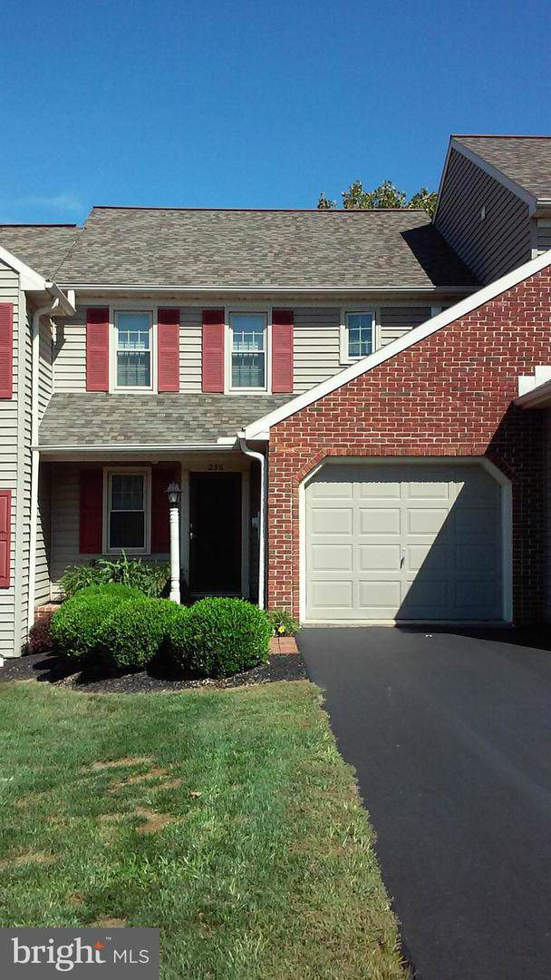 256 Sand Court, EPHRATA, PA 17522 (#PALA140472) :: The Dailey Group