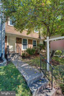 13684 Water Springs Court, CENTREVILLE, VA 20121 (#VAFX1092776) :: ExecuHome Realty