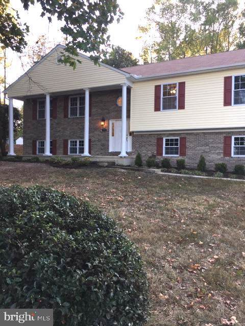 2795 Berry Hills Road, WALDORF, MD 20603 (#MDCH208540) :: The Daniel Register Group