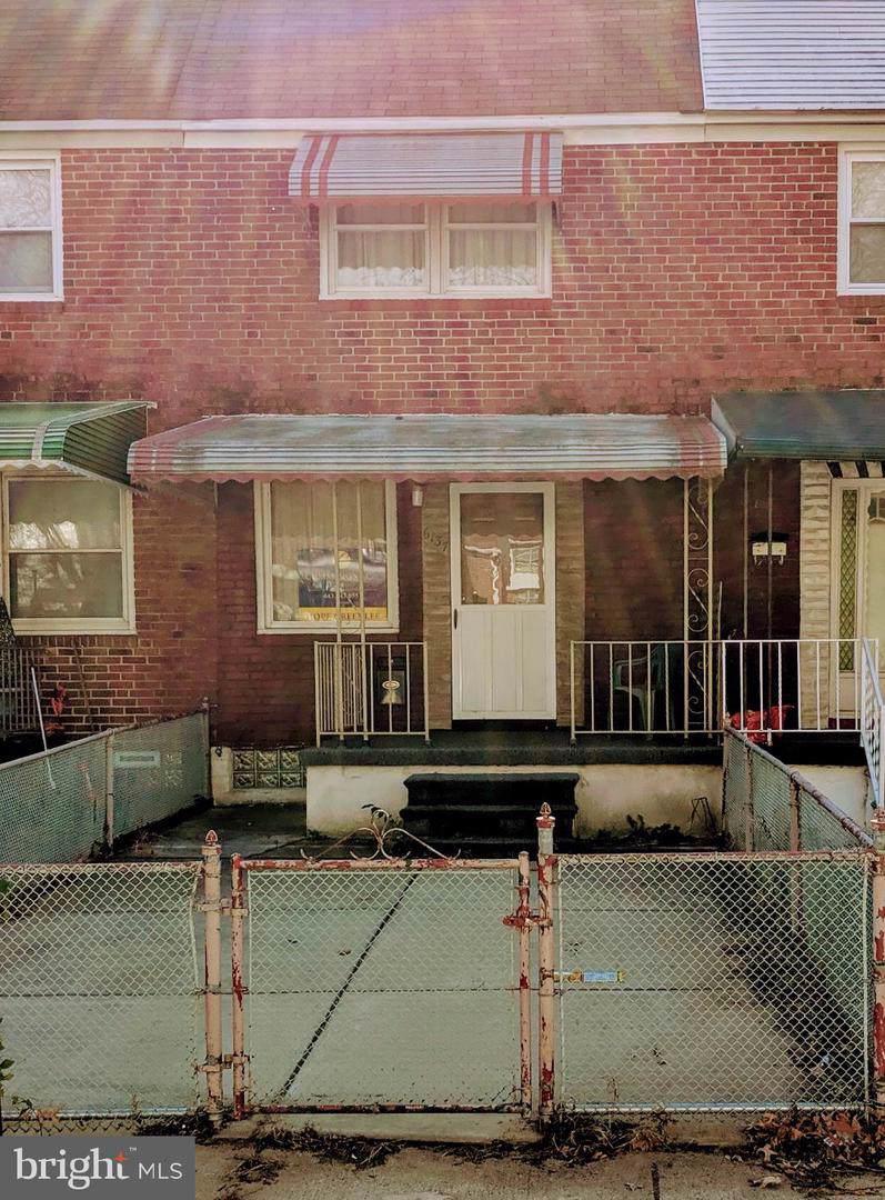 6137 Cardiff Avenue - Photo 1