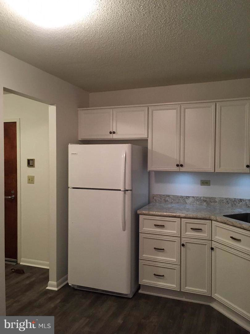 https://bt-photos.global.ssl.fastly.net/brightmls/orig_boomver_2_302200033171-2.jpg