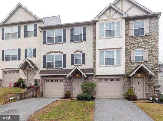 410 Carriage Lane, RED LION, PA 17356 (#PAYK133844) :: The Joy Daniels Real Estate Group