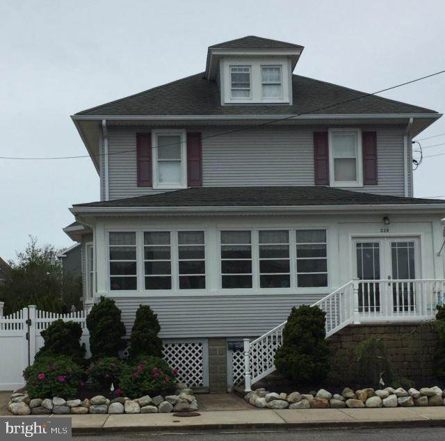 226 E 3RD Street, BEACH HAVEN, NJ 08008 (#NJOC398400) :: Bob Lucido Team of Keller Williams Integrity