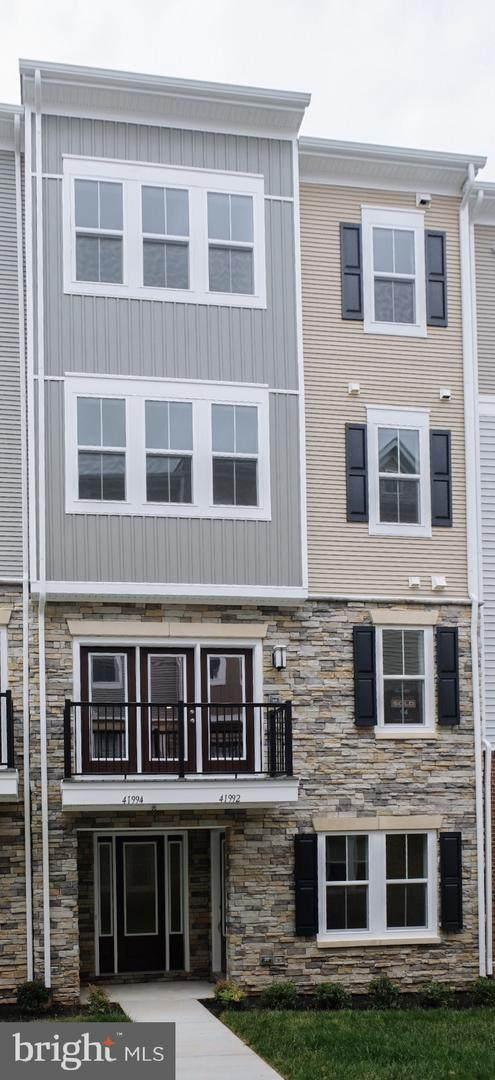 41994 Nora Mill Terrace, STONE RIDGE, VA 20105 (#VALO411678) :: Scott Kompa Group