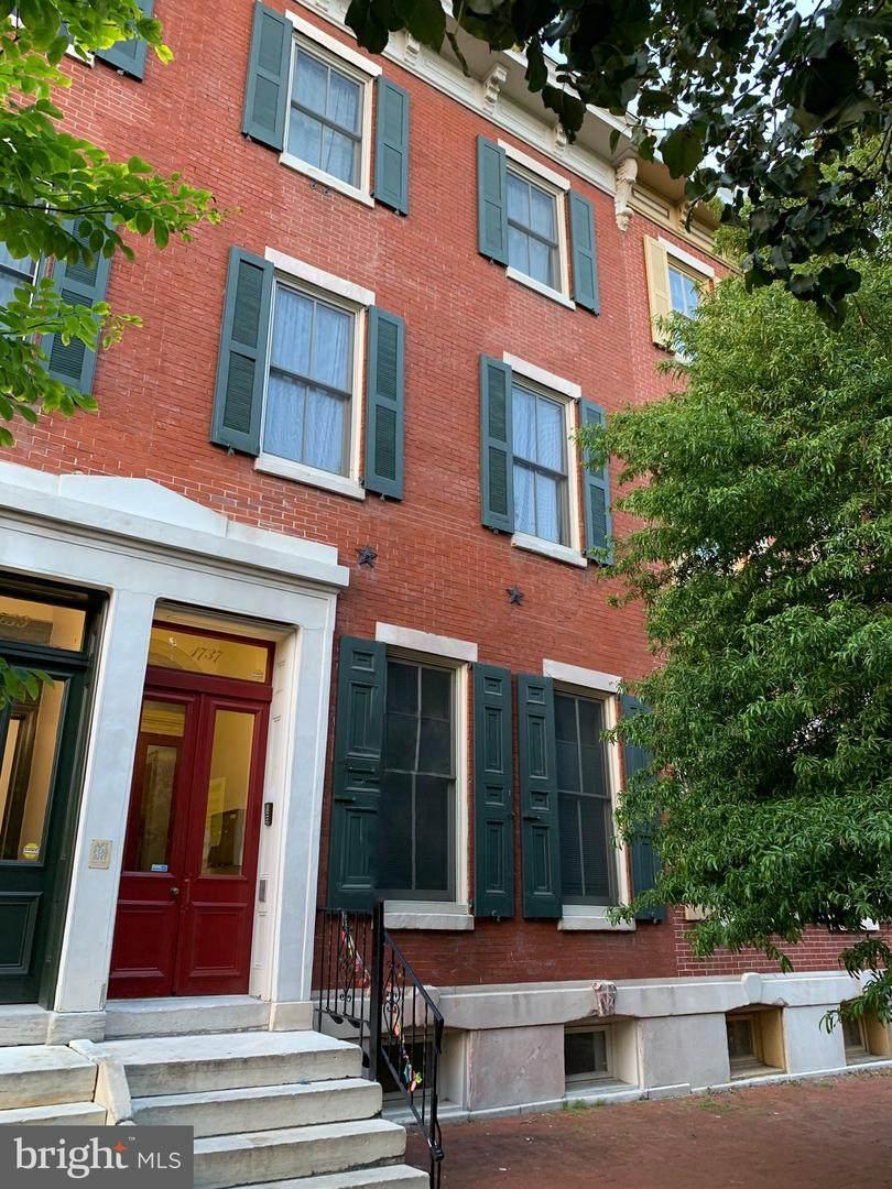 1737 Wallace Street - Photo 1