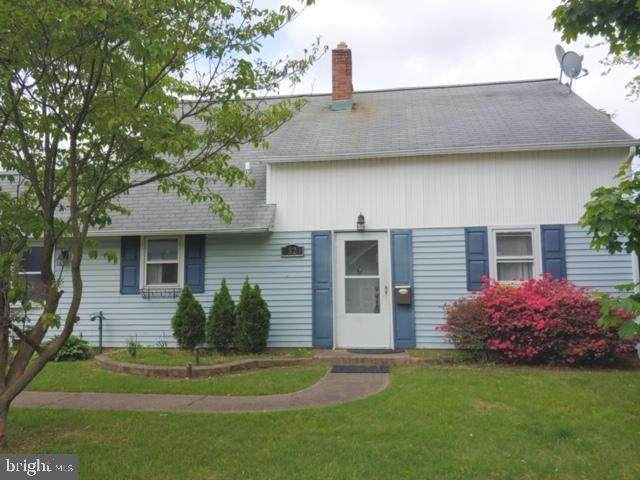 32 Nicklehill Lane, LEVITTOWN, PA 19054 (#PABU501024) :: ExecuHome Realty
