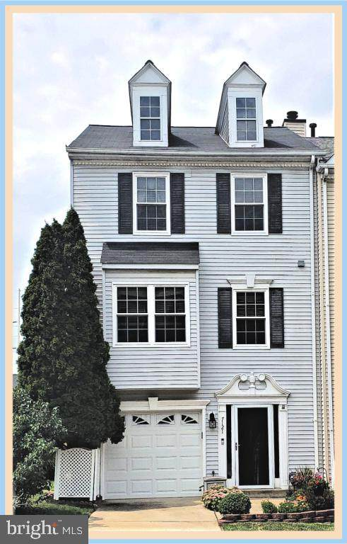 7121 Oberlin Court, FREDERICK, MD 21703 (#MDFR268712) :: LoCoMusings