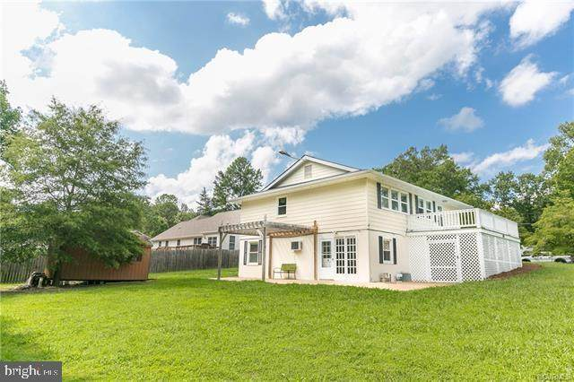 303 Lake Caroline Drive, RUTHER GLEN, VA 22546 (#VACV122636) :: Network Realty Group