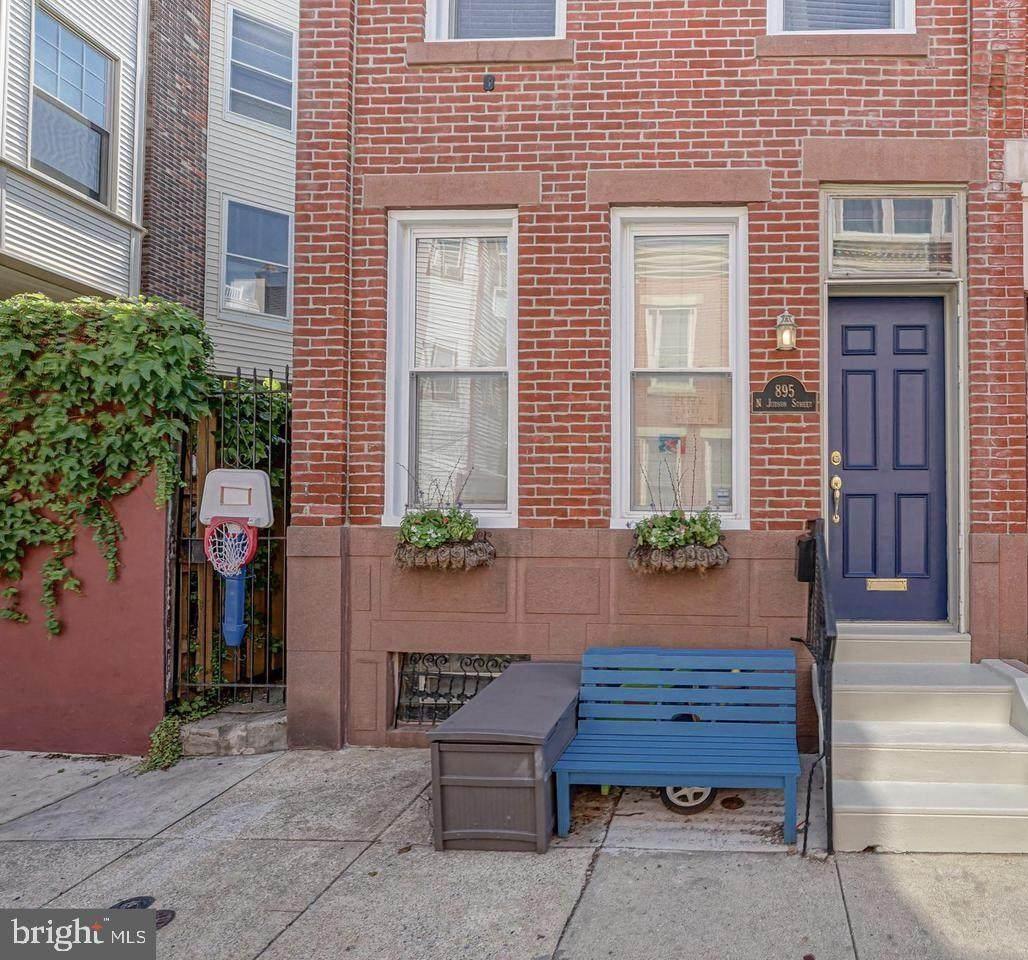 895 Judson Street - Photo 1