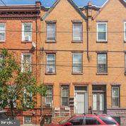 1605 5TH Street - Photo 1