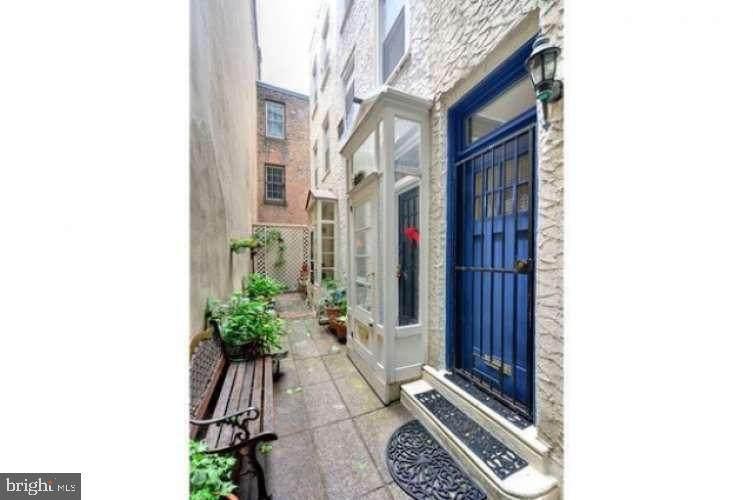 1830-32 Manning Street - Photo 1
