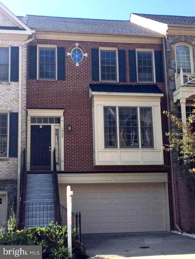 1032 Grand Oak Way, ROCKVILLE, MD 20852 (#MDMC724810) :: The Putnam Group