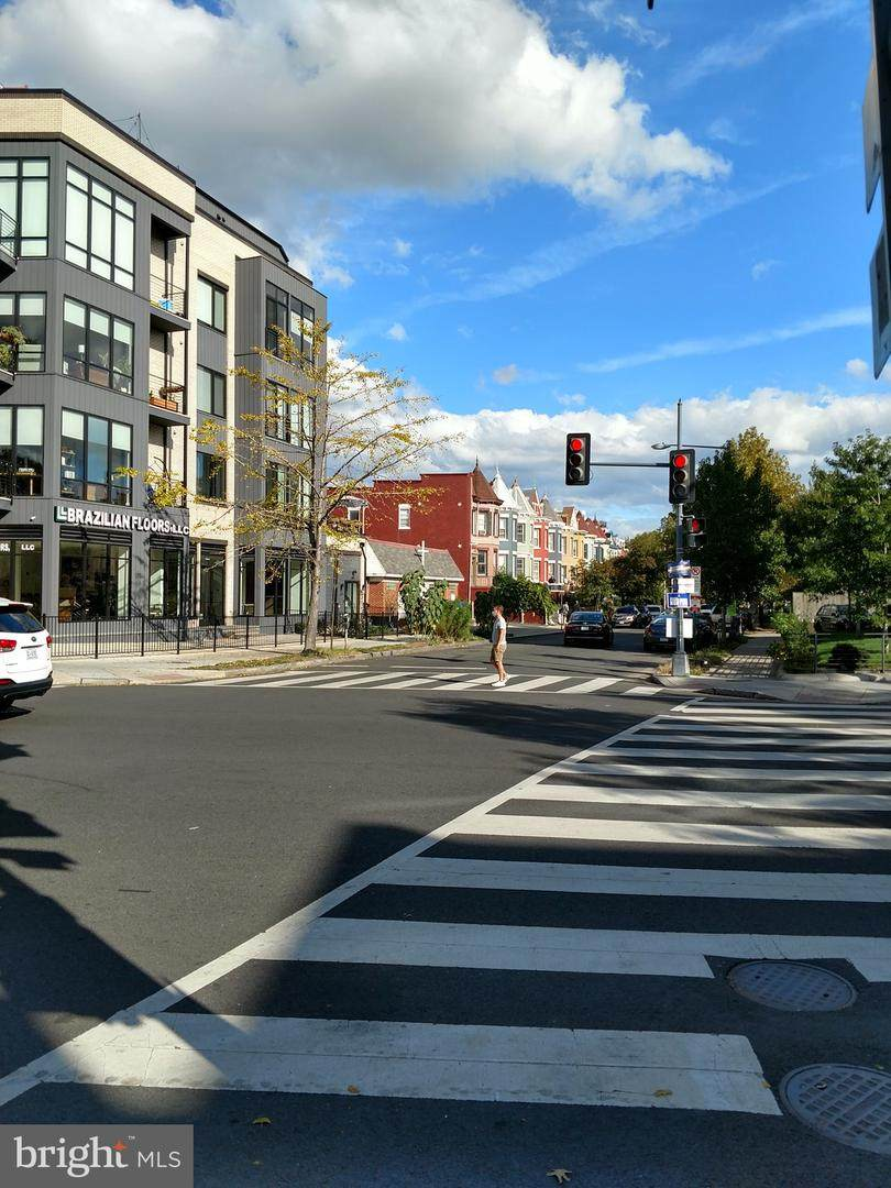 1367 Spring Road - Photo 1